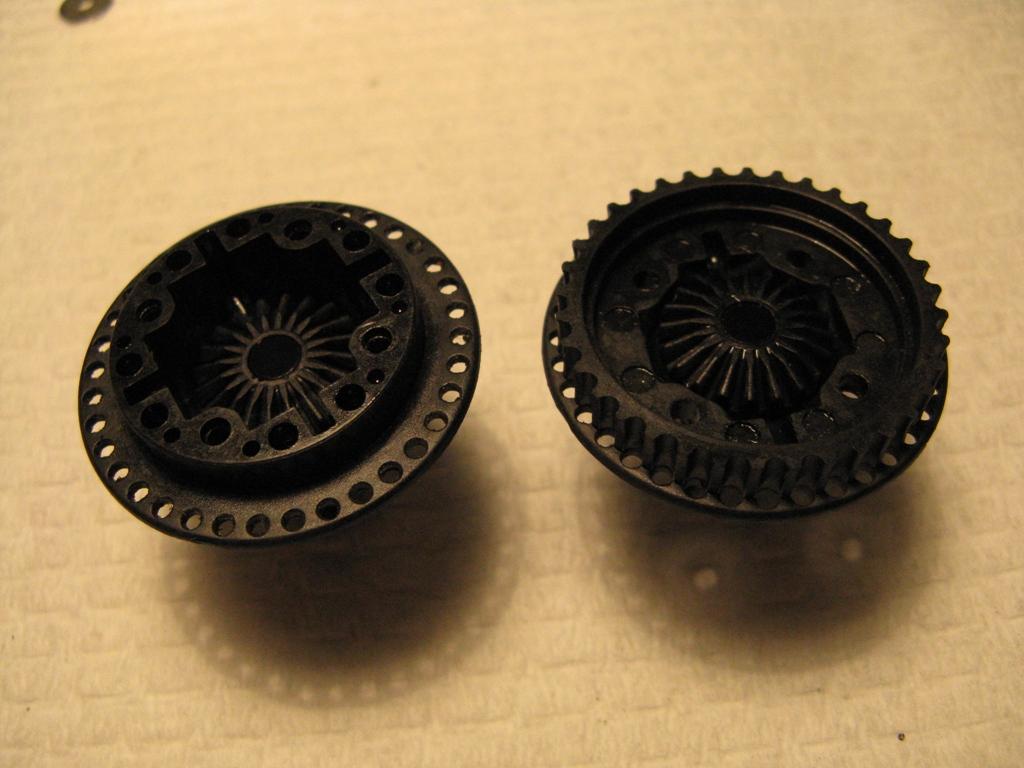 Crown gears in